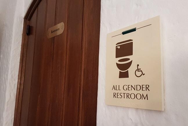 RU_Rice University Gender Inclusive_RRP.H Restroom Plaque
