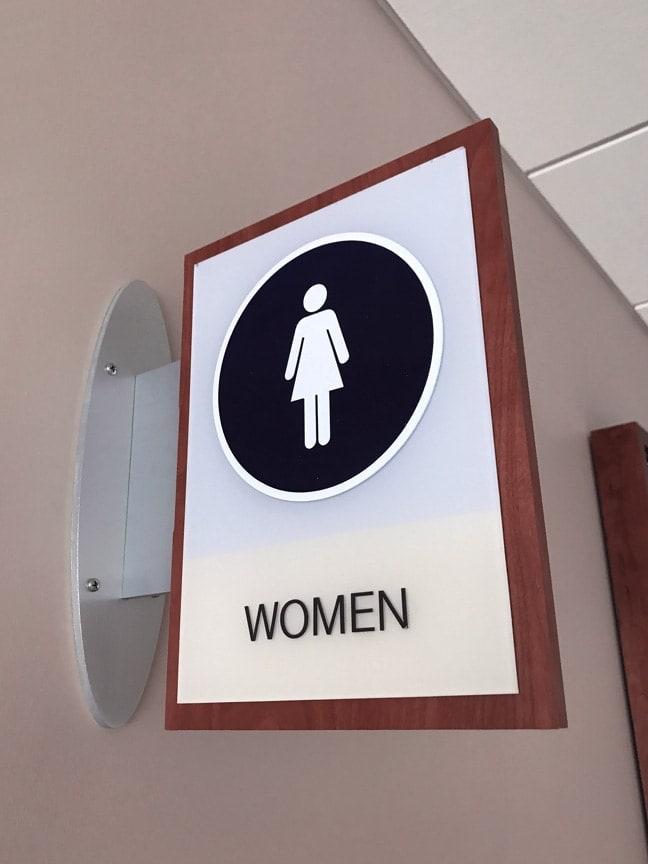 HMSH_Houston Methodist Sugar Land Hospital_Interior Projecting Identification Flag_Women